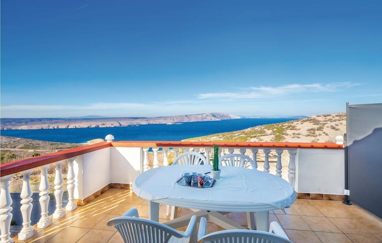 Stunning apartment in Stinica with WiFi and 1 Bedrooms