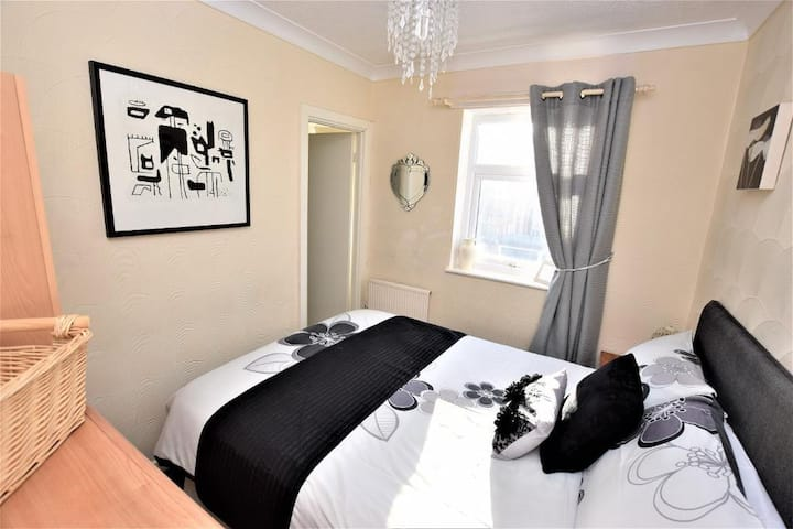 Lovely 1 bedroom modern, Bridle Lodge Apartments
