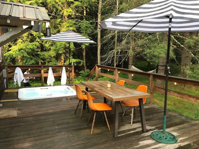 Cattail Cabin