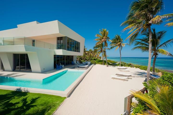 Olympus: Oceanfront Villa w/ Designer Pool & Rooftop Lounge w/ Panoramic Views