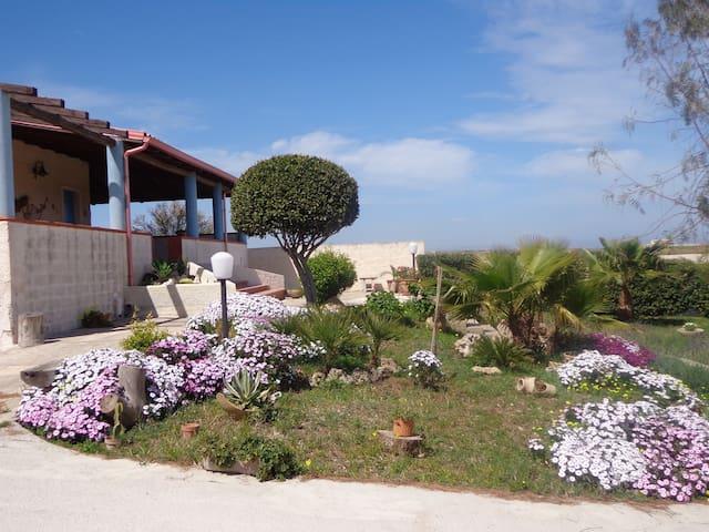 """Marzamemi - Holiday home """"salt and sun"""""""