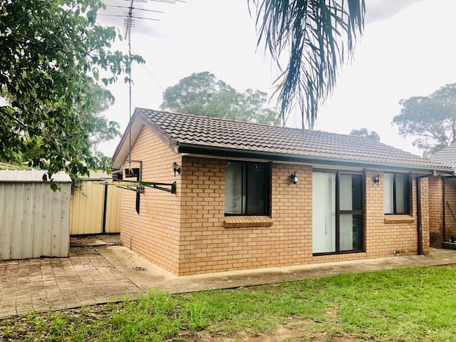 Penrith Self-contained Beauty Granny Flat Sleep 4