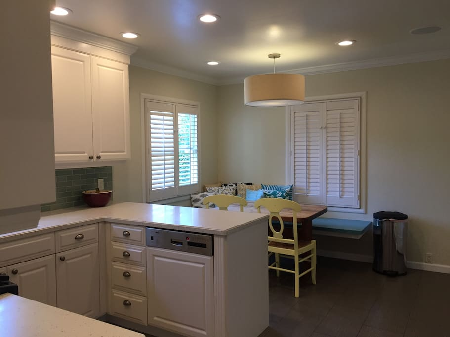Spacious Kitchen and nook