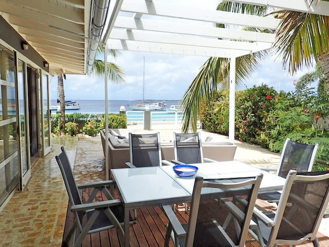 Oceanfront Villa,diving, 8 min walk to city centre - Kralendijk
