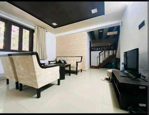 located at 5 min drive frm lake, with full privacy
