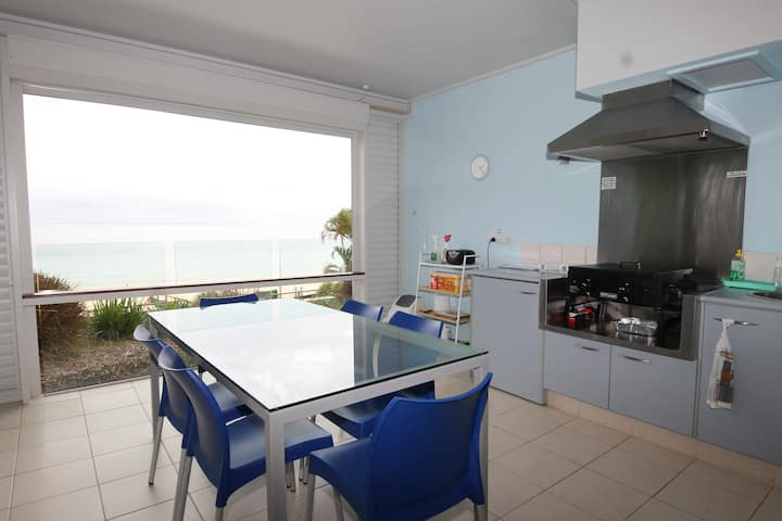Tangalooma Beach Front Apartment 4