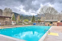 Located at Pine Mountain Club, this cottage boasts gorgeous views and a pool.
