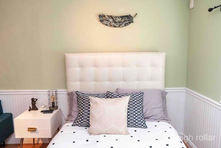 Beautiful leather west elm bed