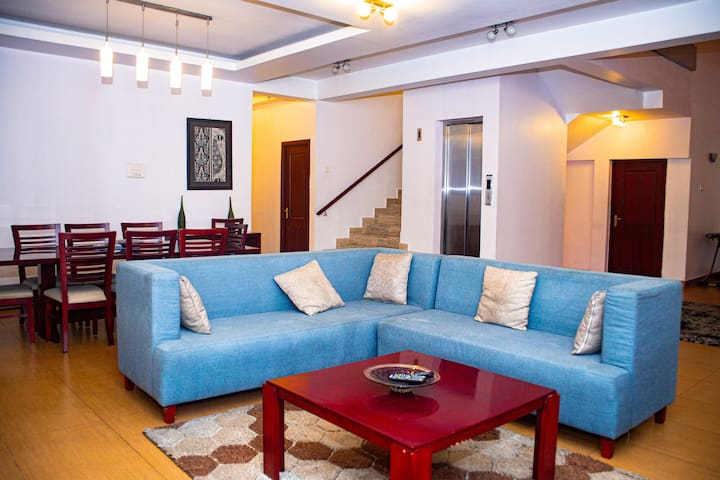 Downtown Penthouse, Close to Zanzibar Ferry
