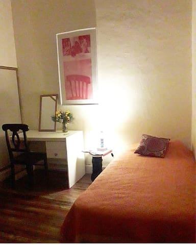 tu habitación ambientada con la magia del Tango