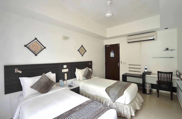 Private Room in Kodambakkam , Chennai