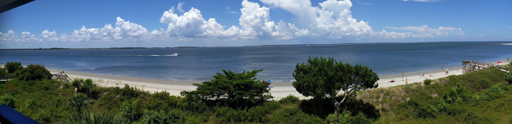 Sand Dollar - Beachfront Condo 1BR/1BA - Tybee Island - Condominium