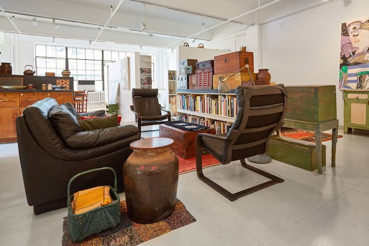 Artist's Loft in Garment District