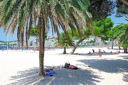 Nice apartment directly to Santa Ponsa's beach. - Santa Ponsa