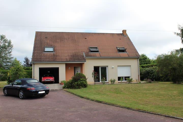 Villa proche circuit et du Mans - Ле-Ман - Гестхаус