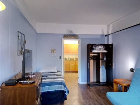 NYC Beach Suite 7 min. walk to the Jersey Shore