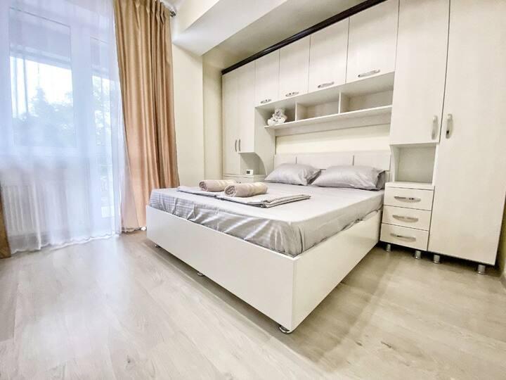 Comfortable Center 2BD Apartment