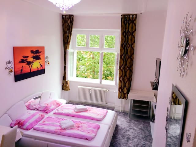 Lovely room in heart of Neukölln.
