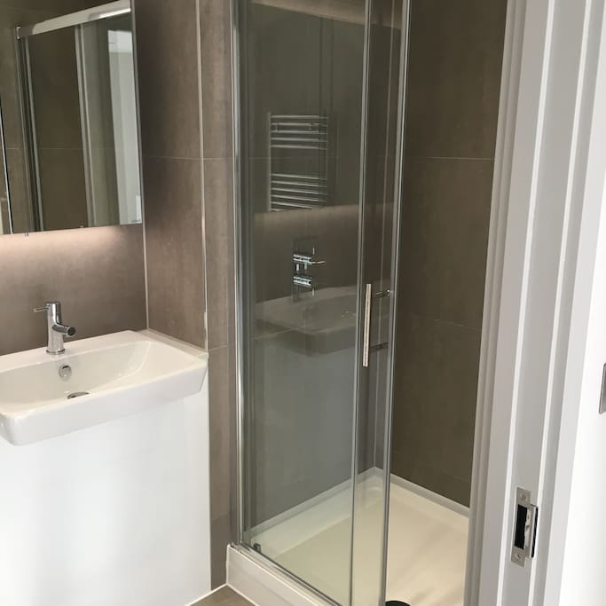 En suite shower to Master Bed