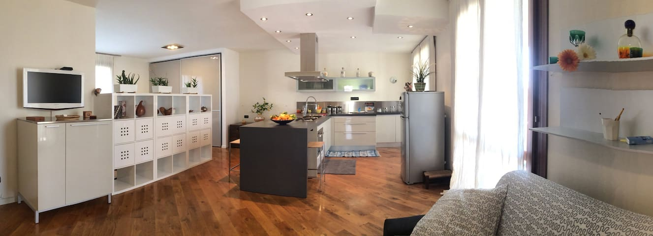 MODERN APARTMENT  WITH POOL 4 px - Toscolano Maderno - Wohnung
