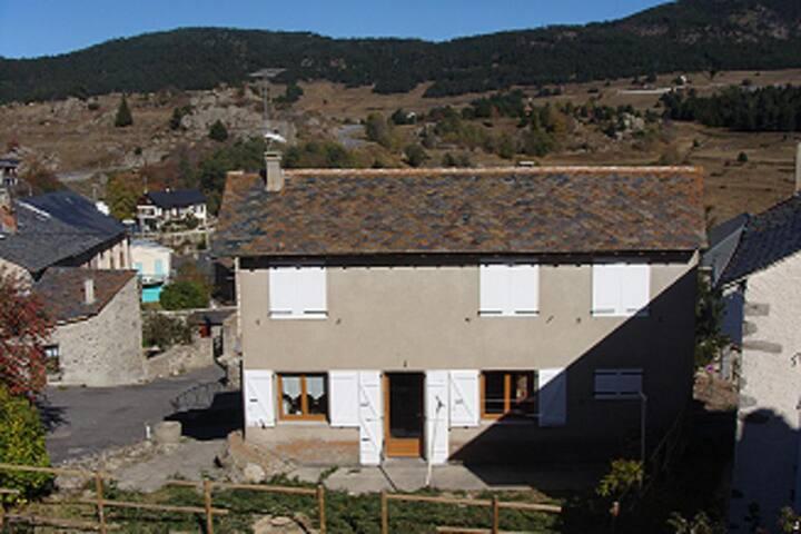 Maison de caractère dans les Pyrénées catalanes