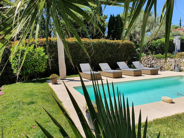 Bel Appt dans villa  piscine Proche Grasse/Cannes