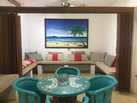 Casa  a una cuadra de la playa y  Plaza