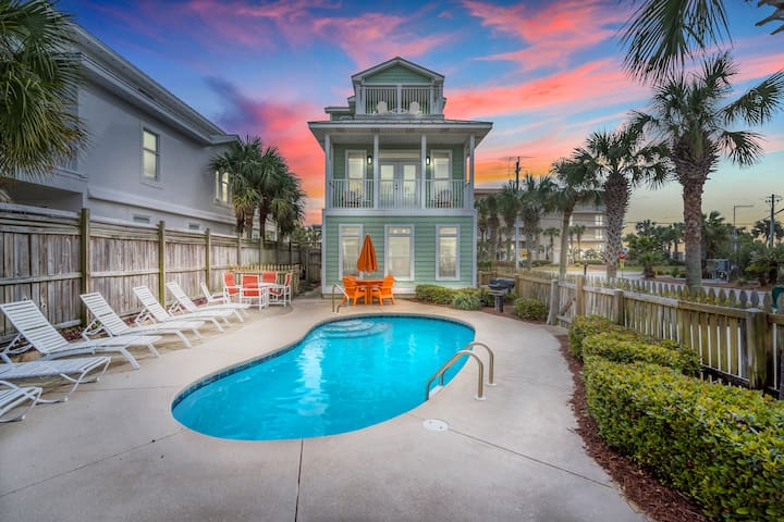 CRYSTAL TOWER BY THE SEA   HEATED POOL   GULFVIEW