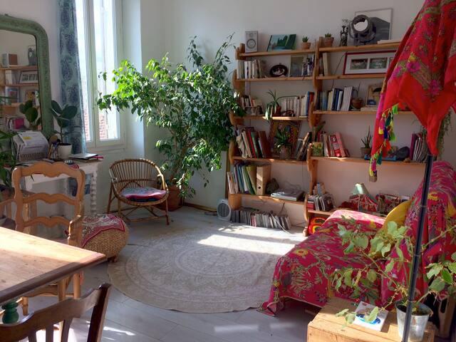 Petit appartement lumineux et au calme