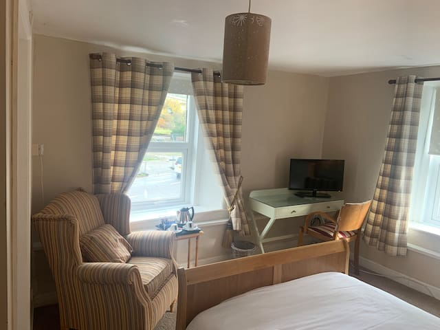 Classic-Double room-Ensuite-Countryside view