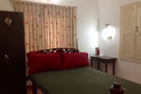 Private room with attached bath, Kochi City - Ernakulam - 방갈로