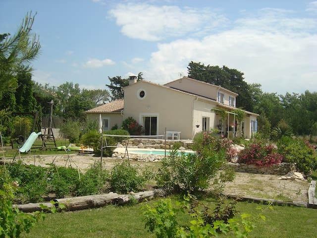 Belle villa Familiale  en Provence avec Piscine - Aubignan - Casa