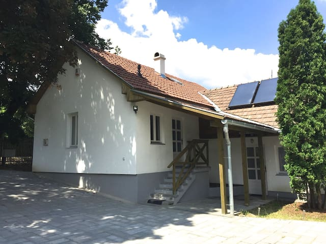 ECO  FRIENDLY HOUSE WITH HEATED POOL (sun heated)