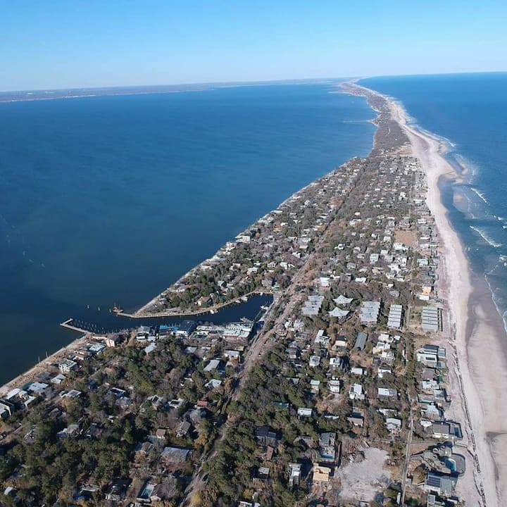 QUEEN OF THE BAY (Sleeps 2) Fire Island Pines