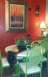 Eclectic Artist Jewel in S. Texas! - Casa