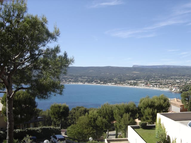 Appartement with scenic view on Golfe d'amour