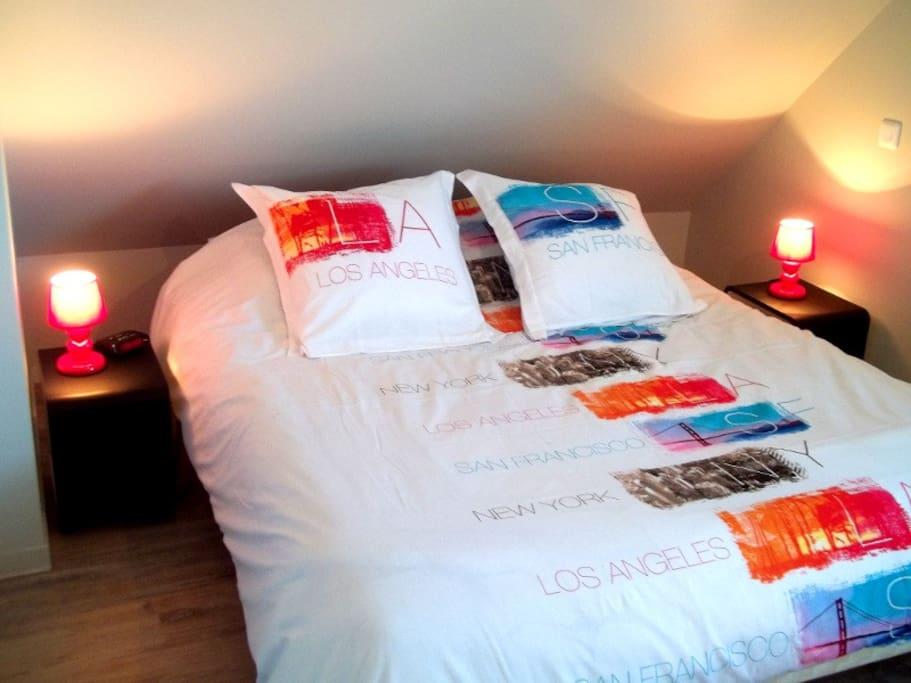 Chambre lit double à commandes électriques