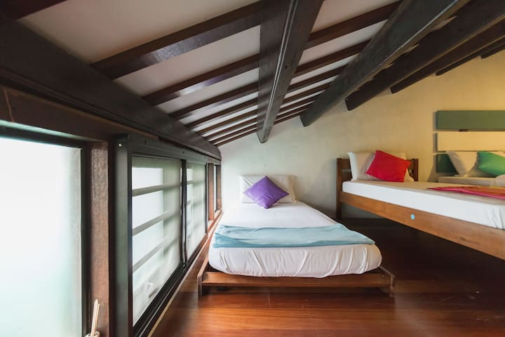 Family Suite with Attached Bathroom - George Town - Guesthouse
