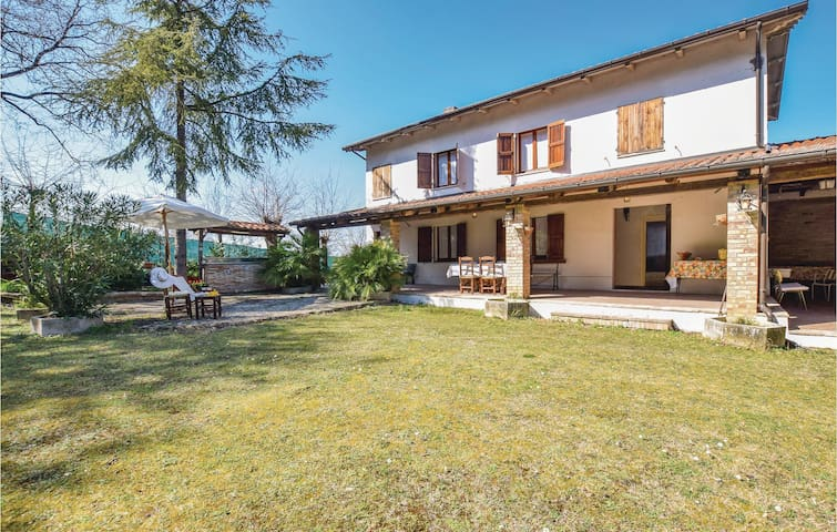 Holiday cottage with 2 bedrooms on 170m² in Barchi