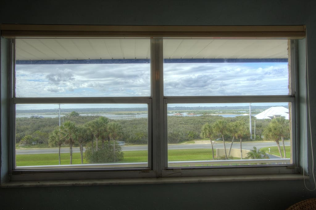 2 large windows in the 2nd bdrm-flooding the room w/ light & intracoastal views