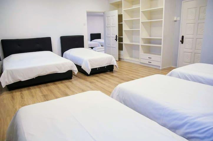 Upper floor Room 3