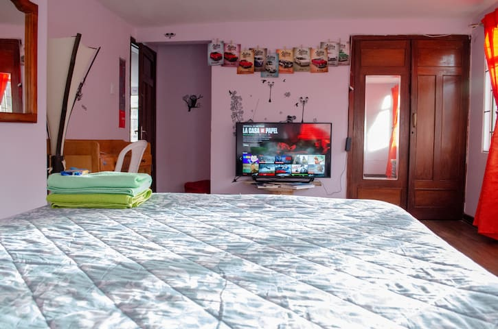Cozy Central Room, Calle 72