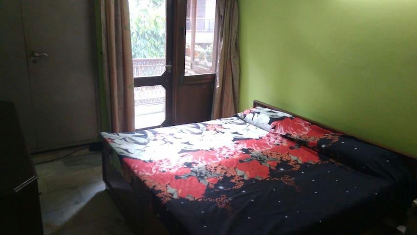 Private AC rooms /house in Greater Kailash, Part 1 - Nueva Delhi - Apartamento
