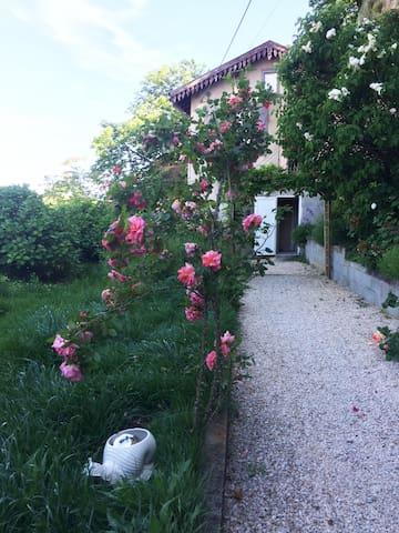 Un petit nid perché au cœur de l'Ardèche verte