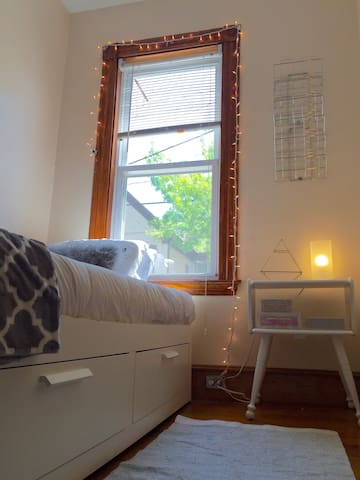 1 Mile to Harvard.Private 1BR-Heart of Somerville. - Somerville - Apartment