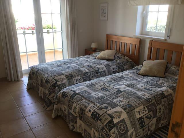 2-persoons slaapkamer beneden