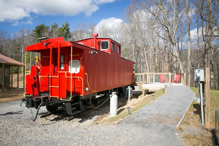 Apple Ridge Farm Caboose Bed & Breakfast - #1