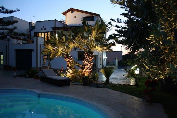 Casabianca - Appartamento con piscina e giardino - Marausa - Apartamento