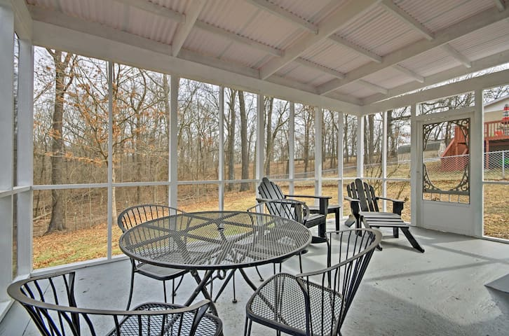 NEW! 1BR Ozark Home w/Sunroom Mins from Branson!
