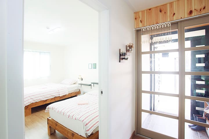 A gorgeous, bright Room in Andong! - Andong-si - Гестхаус